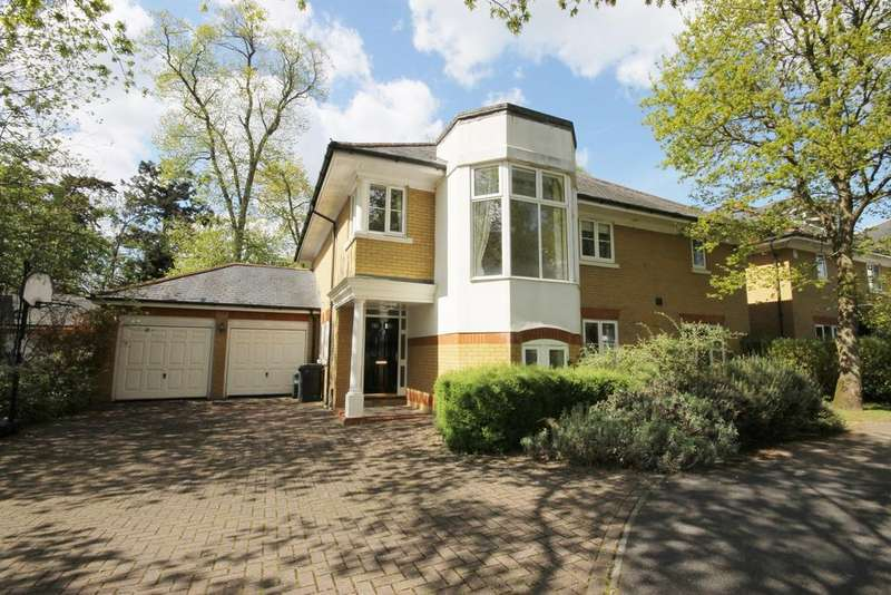 4 Bedrooms Detached House for sale in Englefield Green, Egham