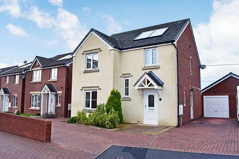 4 Bedrooms Detached House for sale in Clos Cae Ffynnon, North Cornelly, Bridgend. CF33 4HX