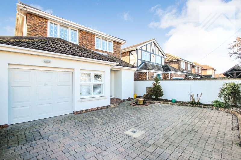 4 Bedrooms Detached House for sale in Lionel Road, Canvey Island