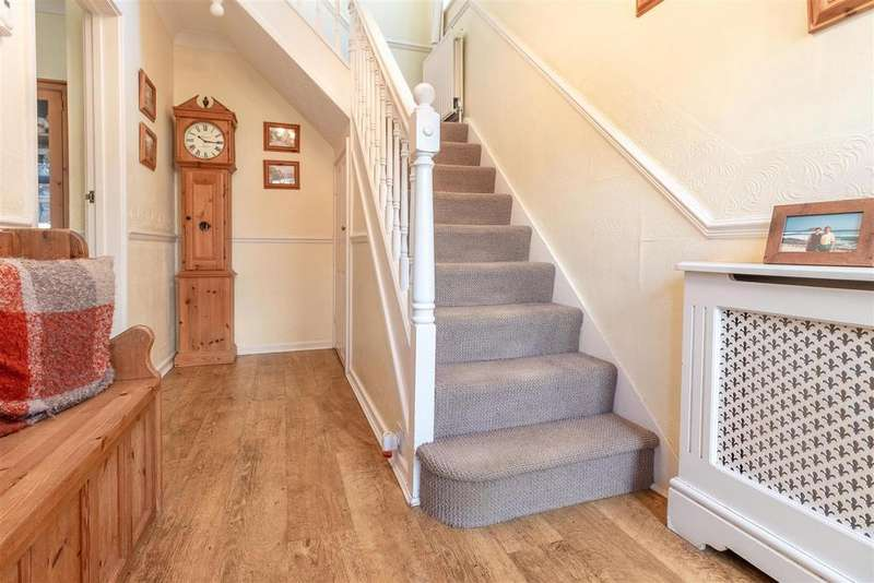 3 Bedrooms House for sale in Cowper Crescent, Bengo, Hertford