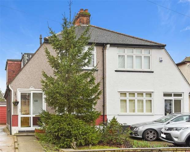 3 Bedrooms Semi Detached House for sale in Links View Road, CROYDON, Surrey