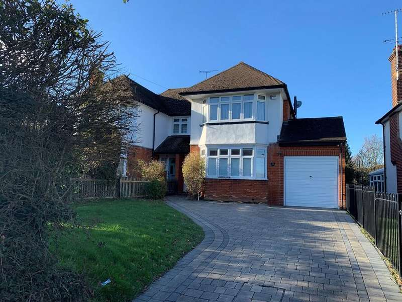 3 Bedrooms Semi Detached House for sale in Vicarage Lane, Great Baddow, Chelmsford, CM2