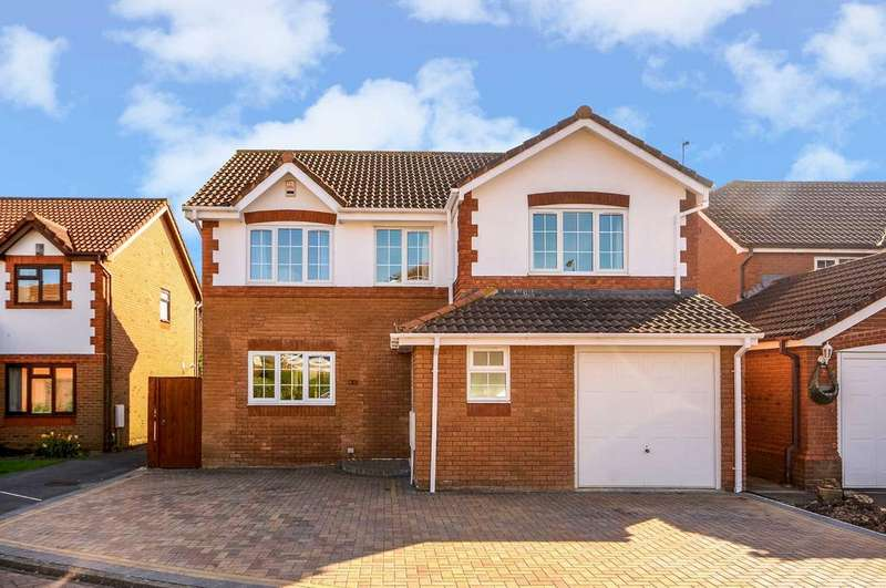 4 Bedrooms Detached House for sale in Avocet Close, Covingham, Wiltshire, SN3