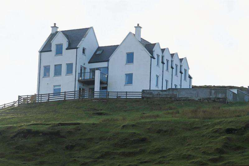 7 Bedrooms Detached House for sale in Lower Milovaig, Isle Of Skye