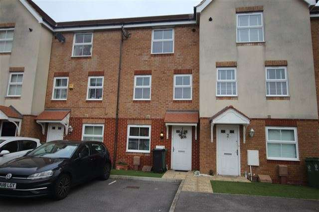 4 Bedrooms Terraced House for sale in Lacey Road, Portsmouth, Hampshire, PO3 6FZ