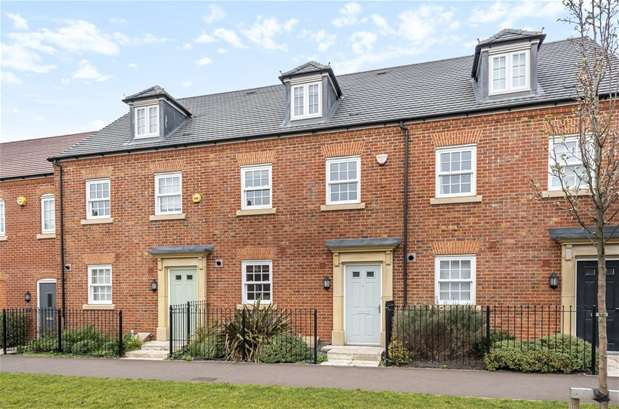 3 Bedrooms House for sale in Greenkeepers Road, Great Denham