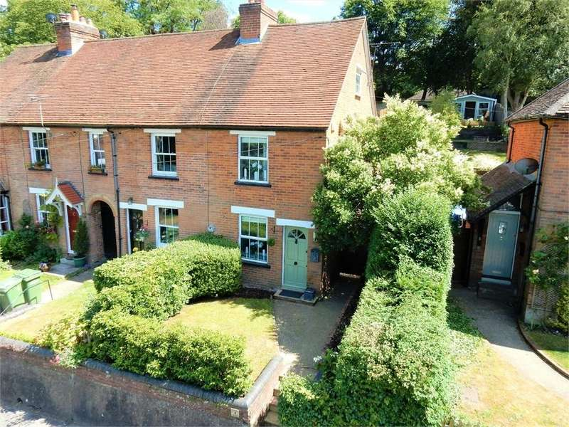 3 Bedrooms Cottage House for sale in Laurel Terrace, High Street, Little Sandhurst, SANDHURST, Berkshire