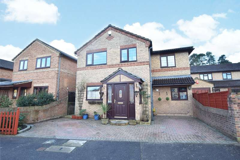 5 Bedrooms Detached House for sale in Chesterblade Lane, Bracknell, Berkshire, RG12