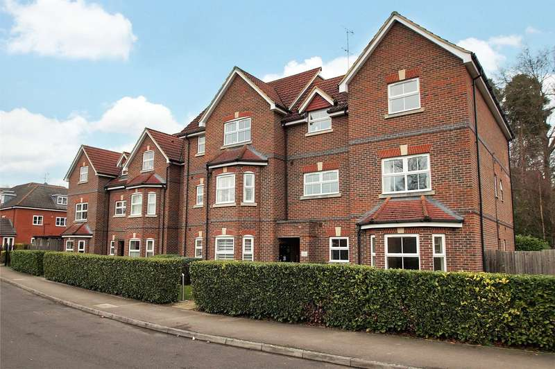 2 Bedrooms Apartment Flat for sale in St. Francis Close, Crowthorne, Berkshire, RG45