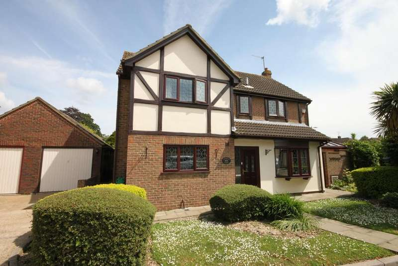 4 Bedrooms Detached House for sale in Badgers Close, Westcliff-on-Sea