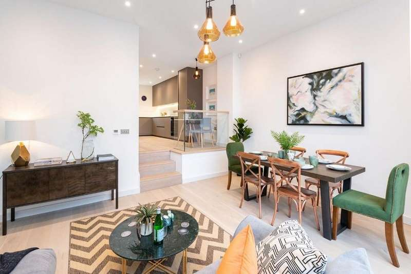 4 Bedrooms Semi Detached House for sale in Osmond Gardens, Hove, East Sussex, BN3