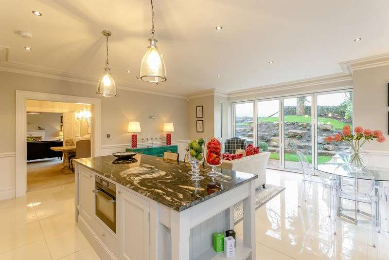 6 Bedrooms Detached House for sale in Alice Bank Chase, Calf Hill Road, Holmfirth