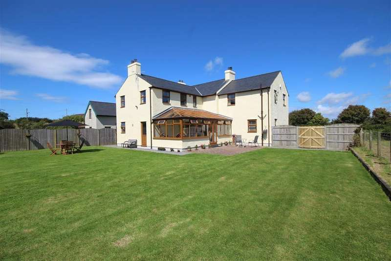 4 Bedrooms House for sale in Lon Bach, Caergeiliog, Holyhead