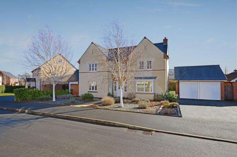 4 Bedrooms Detached House for sale in Acer Crescent, Bristol