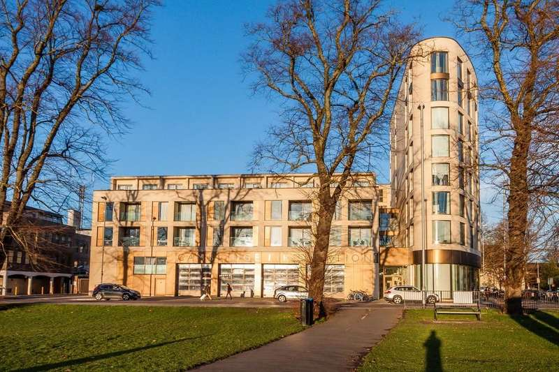 2 Bedrooms Apartment Flat for sale in Parkside Place, Cambridge