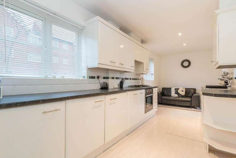 3 Bedrooms Semi Detached House for sale in Vine Lane, Acocks Green