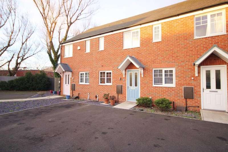 2 Bedrooms Mews House for sale in Glossop Close, Warrington, WA1