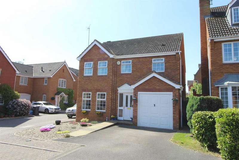 4 Bedrooms Detached House for sale in Harness Close, Hempsted