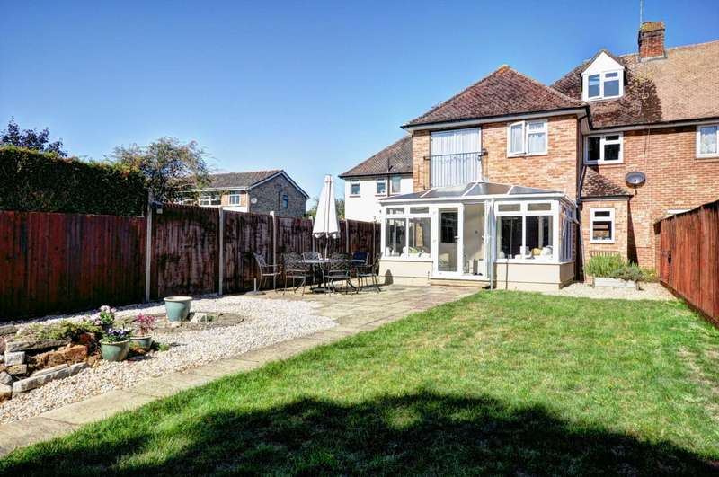 4 Bedrooms Semi Detached House for sale in Newfield Gardens, Marlow