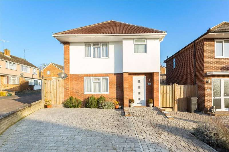3 Bedrooms Detached House for sale in Godlings Way, Braintree, CM7