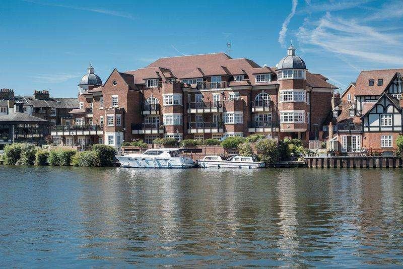 3 Bedrooms Apartment Flat for sale in Eton Riverside, King Stable Street, Eton SL4