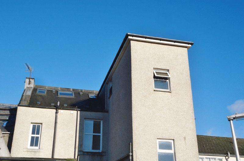 3 Bedrooms Apartment Flat for sale in Stirling Street, Alva