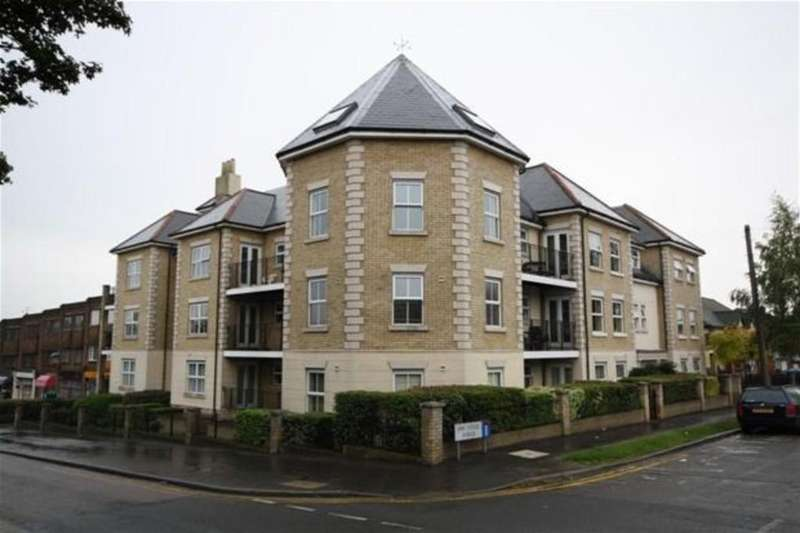 2 Bedrooms Flat for rent in Park Grange, Manor Road, Chigwell