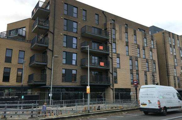 3 Bedrooms Flat for rent in Clarence Avenue, Gants Hill, Ilford