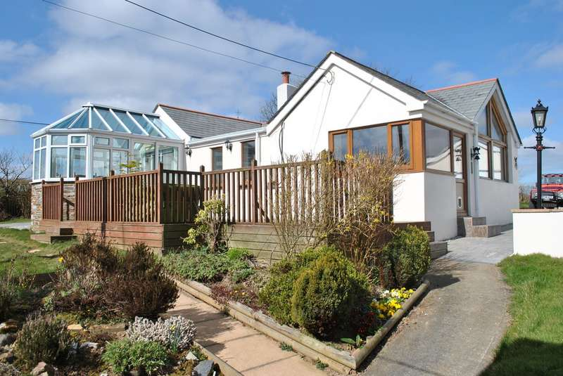 3 Bedrooms Property for sale in Sunnyside Jacobstow Bude Cornwall EX23 0BY