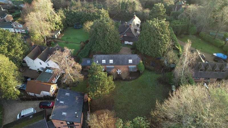 4 Bedrooms Detached House for sale in Peppard Road, Sonning Common, Sonning Common Reading