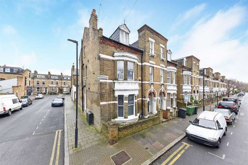 2 Bedrooms Flat for sale in Arlingford Road, Brixton SW2
