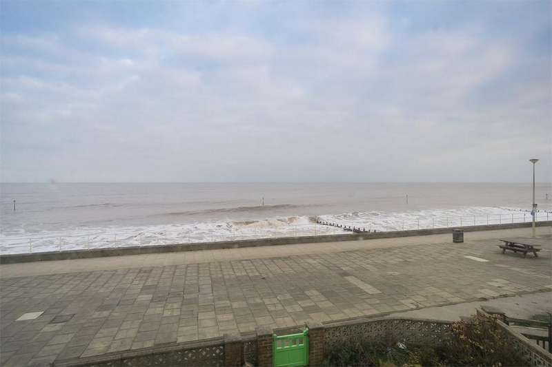5 Bedrooms Terraced House for sale in South Promenade, WITHERNSEA, East Riding of Yorkshire