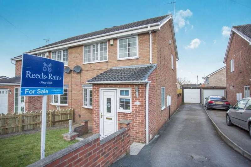 3 Bedrooms Semi Detached House for sale in Redruth Drive, Normanton, WF6