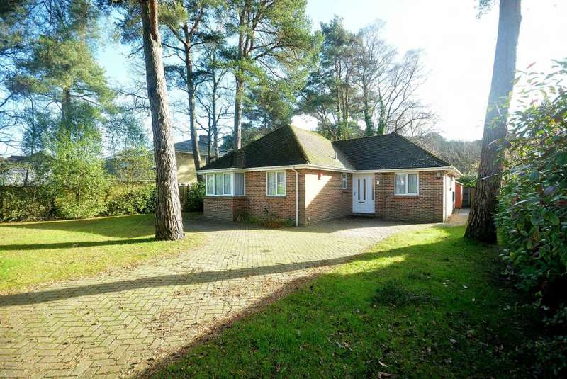 3 Bedrooms Detached Bungalow for sale in Merriefield Avenue, Broadstone