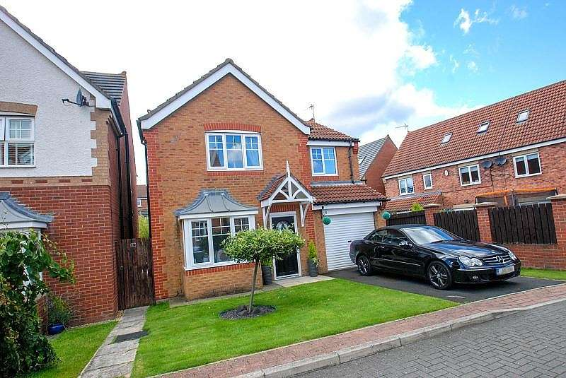 4 Bedrooms Detached House for sale in Strathmore Gardens, South Shields
