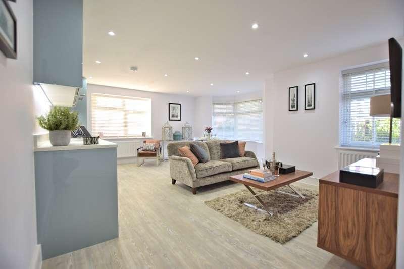 2 Bedrooms Flat for sale in Marlborough House, Basingstoke Road, Spencers Wood, RG7