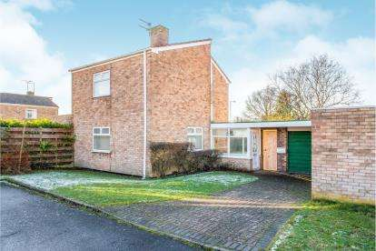 3 Bedrooms Detached House for sale in The Roundway, Hightown, Liverpool, Merseyside, L38