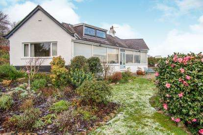 3 Bedrooms Bungalow for sale in Cadnant Road, Menai Bridge, Anglesey, North Wales, LL59