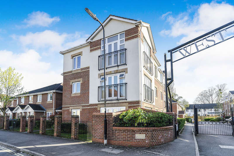 2 Bedrooms Flat for sale in Langstaff Way, Southampton, SO18