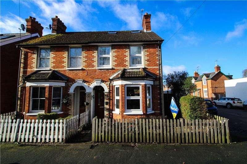3 Bedrooms Semi Detached House for sale in Oakley Road, Camberley, Surrey, GU15