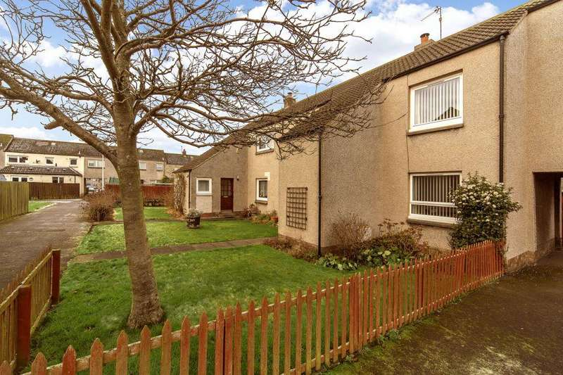 3 Bedrooms Terraced House for sale in 68 Seggarsdean Court, Haddington, EH41 4LZ