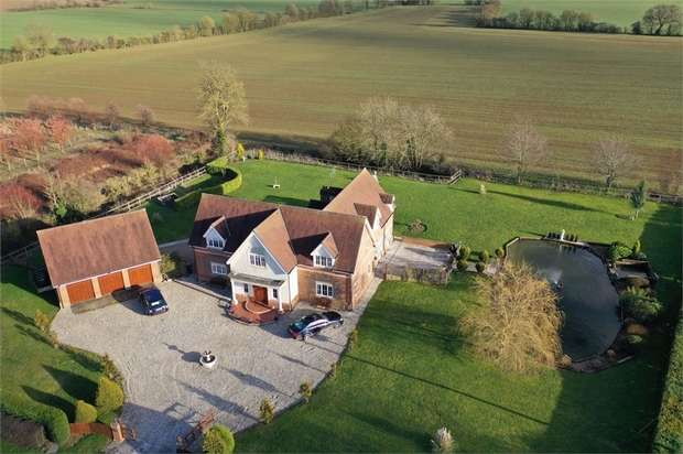 5 Bedrooms Detached House for sale in High Roding, Dunmow, Essex