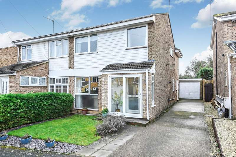 4 Bedrooms Semi Detached House for sale in Hensley Close, Hitchin, SG4