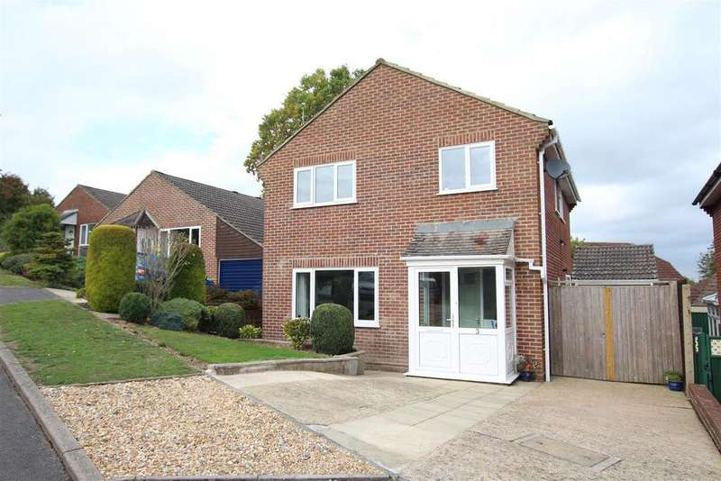 4 Bedrooms Detached House for sale in Saville Close, Bishopstoke, Eastleigh