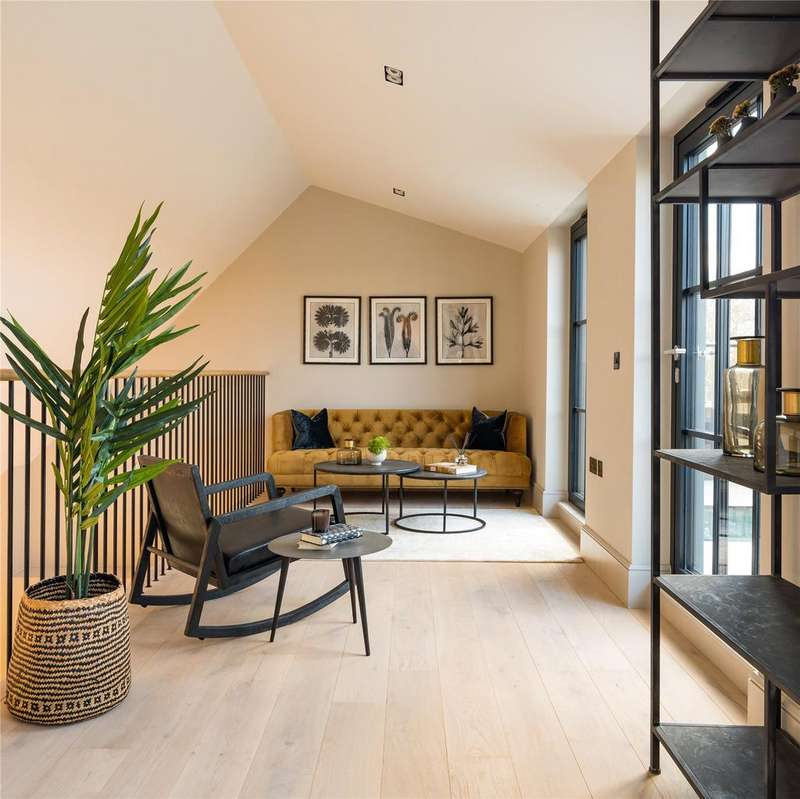 3 Bedrooms Flat for sale in The Set, Cabul Road, Battersea, London, SW11
