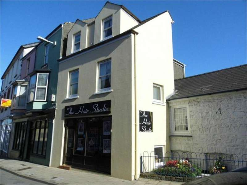 2 Bedrooms Town House for sale in 4 West Street (The Hair Studio), Fishguard, Pembrokeshire