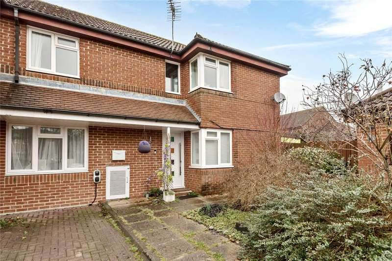 4 Bedrooms End Of Terrace House for sale in Latham Road, Romsey, Hampshire, SO51