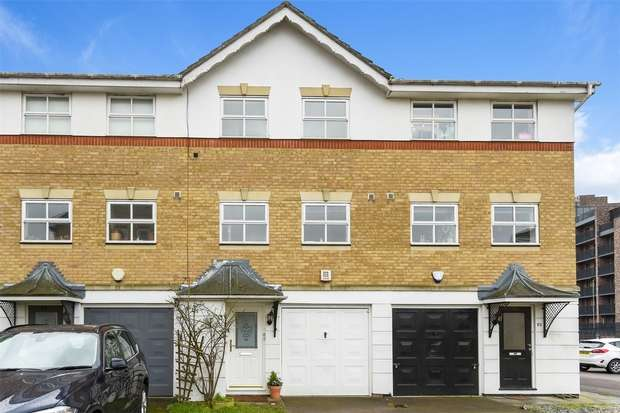 3 Bedrooms Town House for rent in Montana Gardens, LONDON