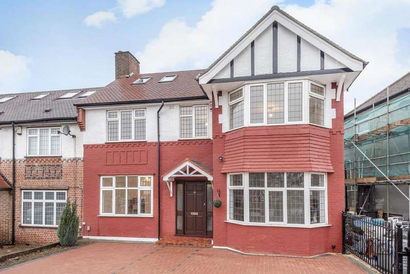 5 Bedrooms Semi Detached House for sale in Wilmer Way, Southgate
