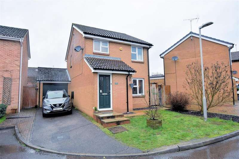 3 Bedrooms Detached House for sale in Palmera Avenue, Calcot, Reading